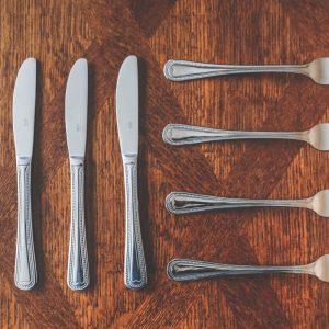 Cucharas Cuchillos Platos Tenedores plástico a Domicilio @https://pasteleriasblancoazul.com